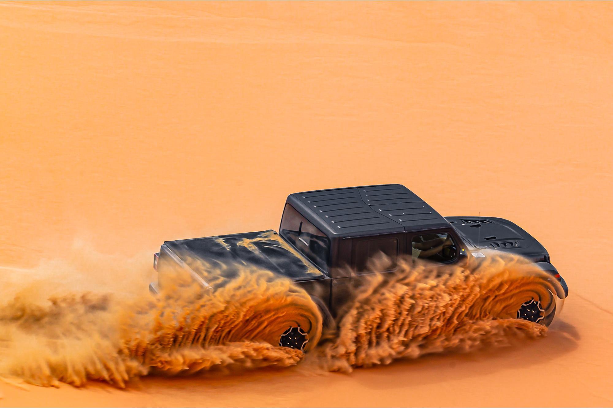 To Jeep® Gladiator κατακτά την έρημο Rub' al Khali στο Abu Dhabi