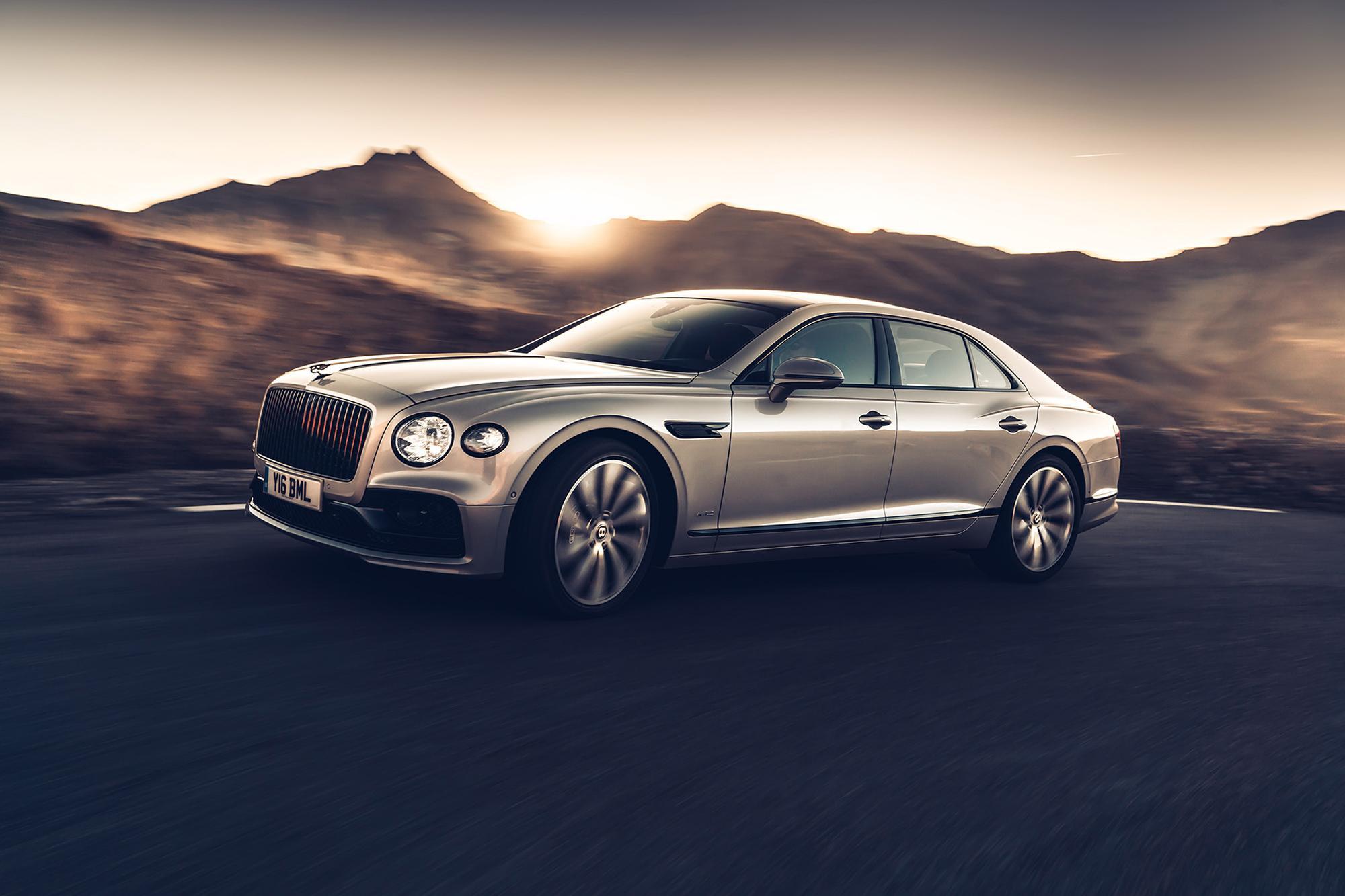 Παγκόσμια πρωτιά της Bentley με τρισδιάστατα  πάνελ ξύλου στη νέα Flying Spur