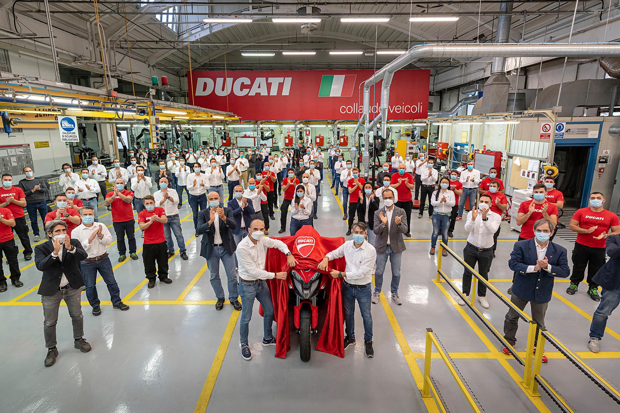 Η Ducati παρουσιάζει επαναστατική τεχνολογία εμπρός και πίσω ραντάρ στη νέα Multistrada V4