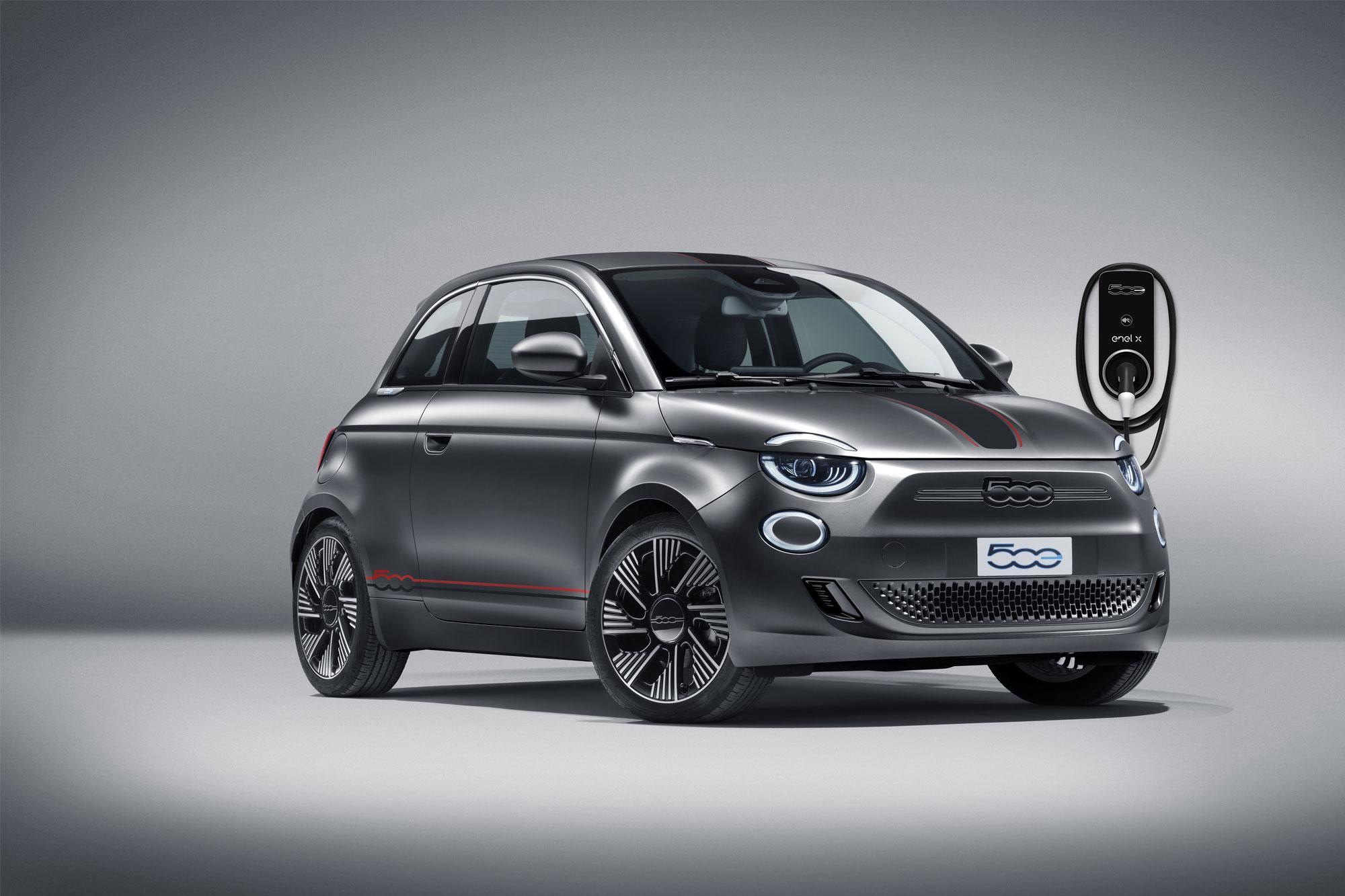 H Mopar κάνει πιο ξεχωριστό το ηλεκτρικό Fiat 500