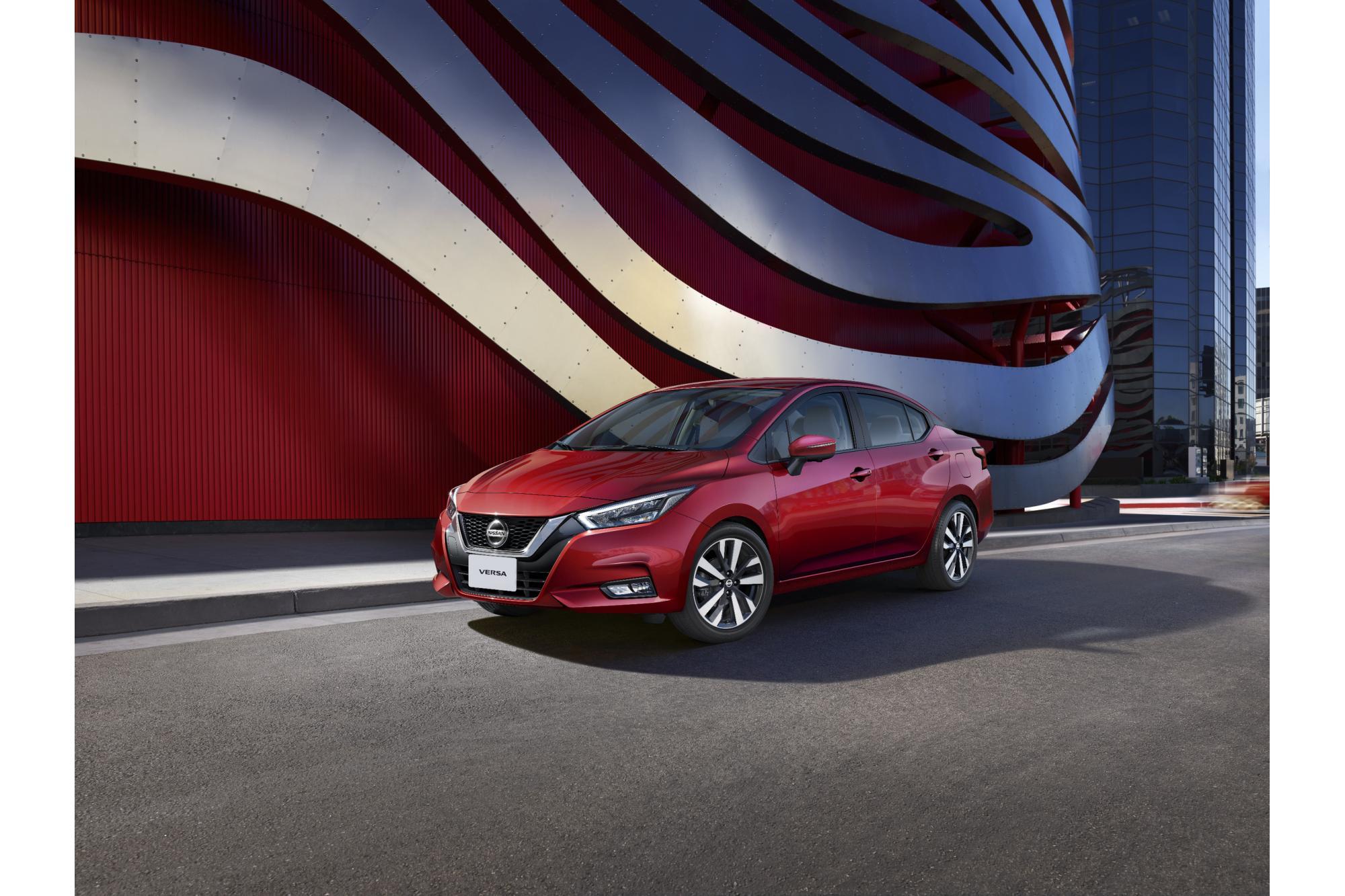 """Το Nissan Versa βραβεύθηκε ως το """"Καλύτερο αυτοκίνητο της χρονιάς"""" από την FIPA"""