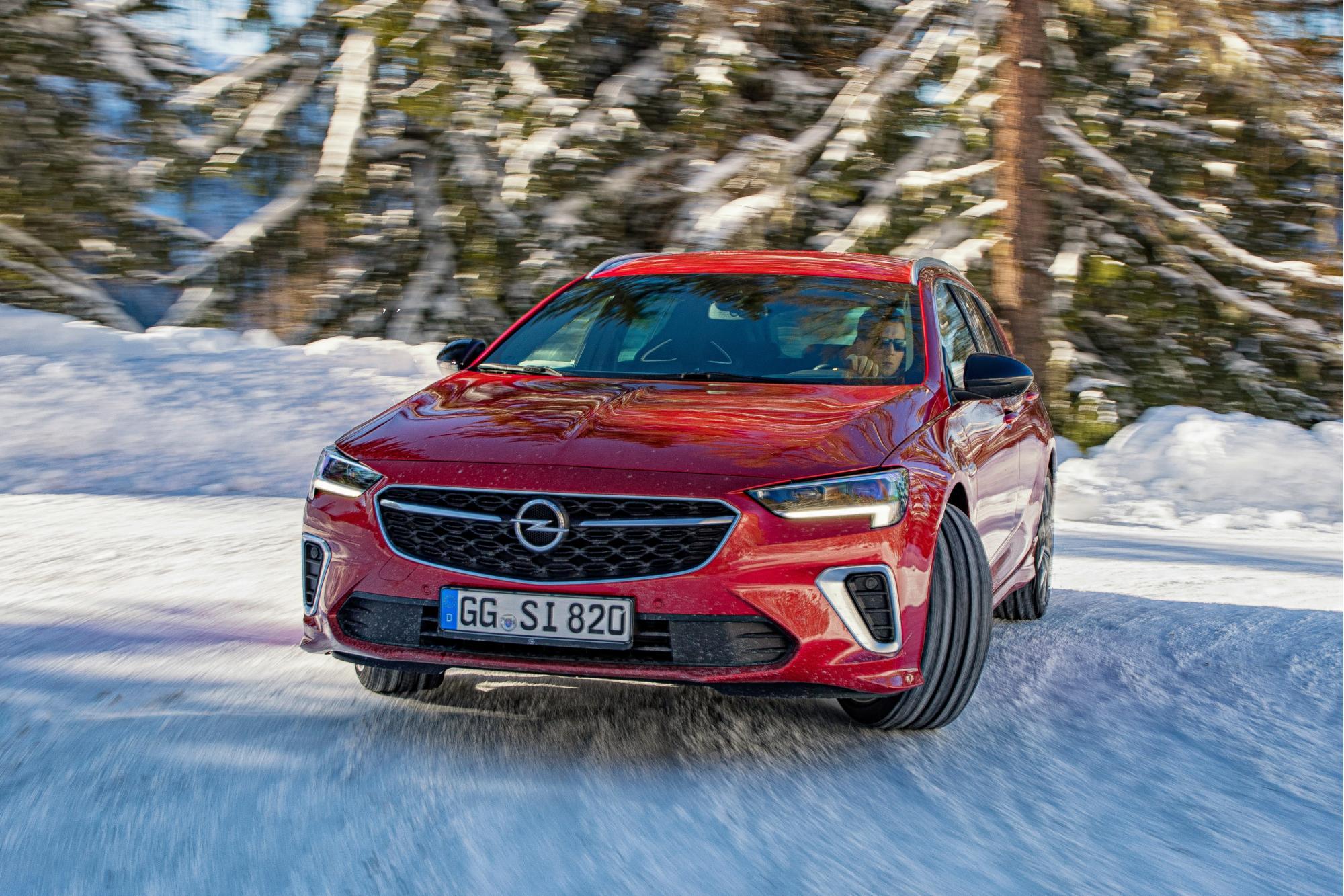 Το νέο Opel Insignia GSi έρχεται!