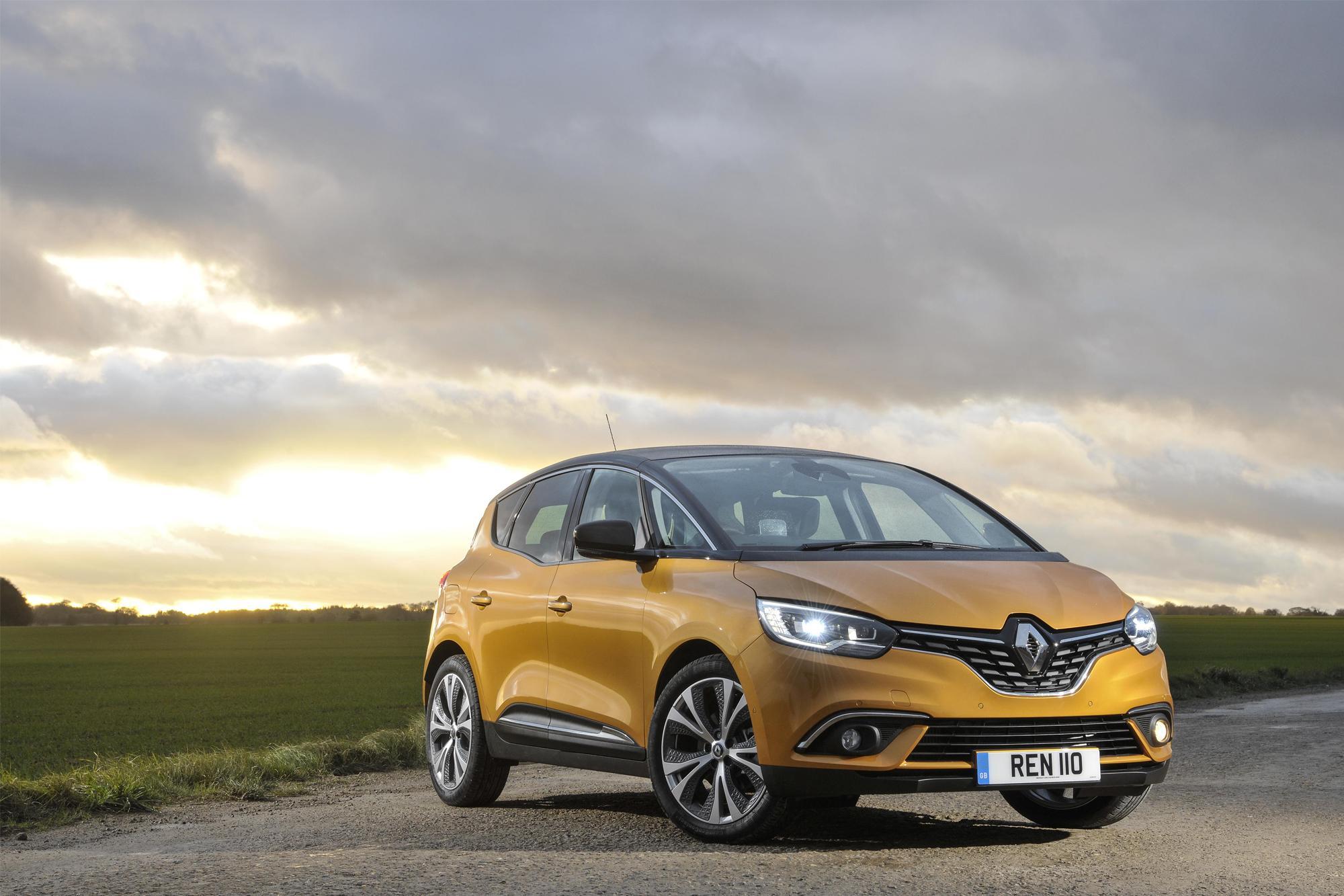 Renault Scenic στην Ελλάδα από €28.190